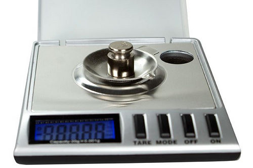 best milligram scale, accurate milligram scale, cheap milligram scale, digital milligram scale, scale that weighs milligrams, mg scale