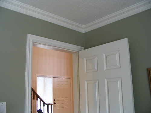 how to fix bad crown molding joints,how to repair crown molding joints,how to fix crown molding joints,repair crown molding joints